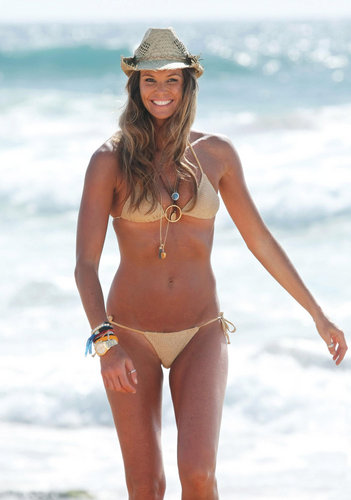 swimsuit si wallpaper with a bikini called Elle Macpherson