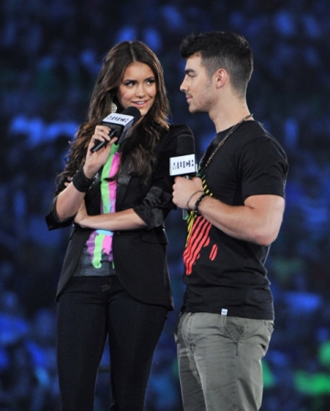 """Free The Children """"We Day"""" In Toronto 9-27-2011"""