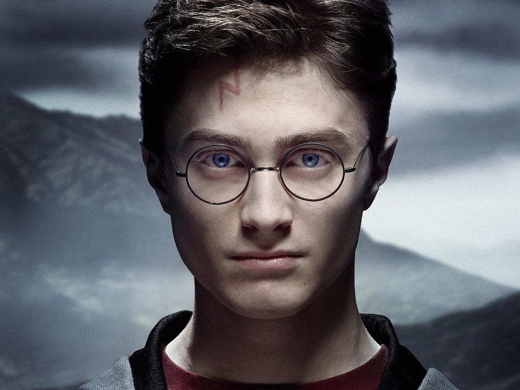 Harry Potter and the Half-Blood Prince (Book 6) by J. K. Rowling