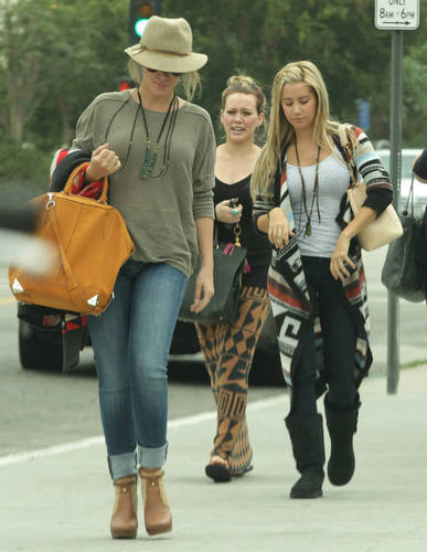 Haylie Duff wallpaper probably containing a hip boot and a rua entitled Haylie - Shopping with Hilary and Ashley Tisdale in LA - September 25, 2011
