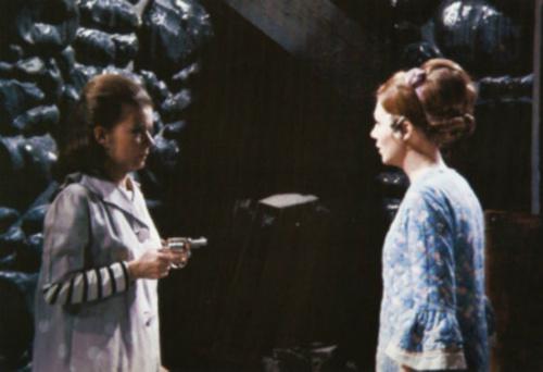 Dark Shadows fond d'écran called Joan Bennett and Kathryn Leigh-Scott