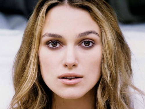 Keira Knightley wallpaper with a portrait titled Keira <3