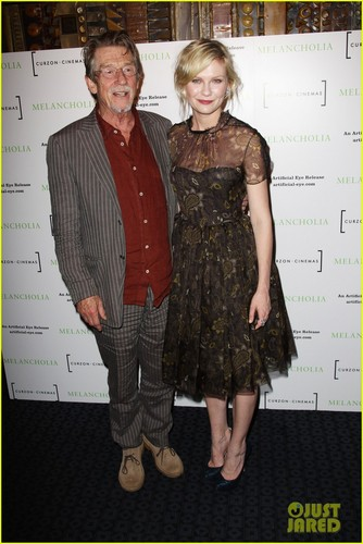 Kirsten Dunst: 'Melancholia' UK Premiere!