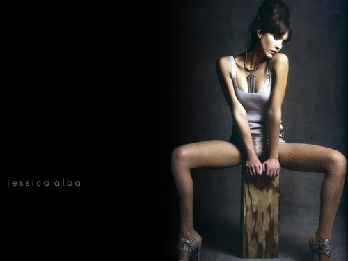jessica alba wallpaper probably with a leotard and tights entitled Lovely Jessica wallpaper ❤