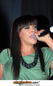 PERFOMING 2011 - faith-evans Photo