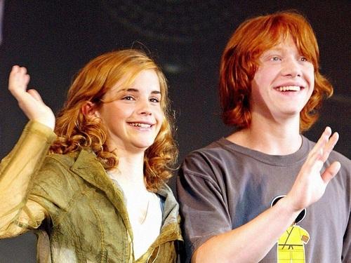 Ron and Hermione वॉलपेपर