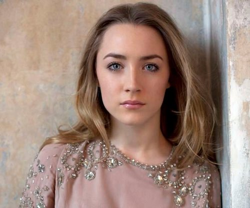 The Host 壁纸 containing a portrait called Saoirse Ronan
