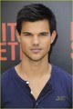 Taylor Lautner: 'Conan' & Paris Photo Call! - twilight-guys photo