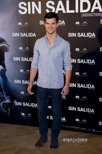 "Taylor Lautner: ""Sin Salida"" Photocall in Madrid"