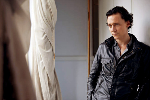 Tom Hiddleston images Tom Hiddleston wallpaper and background photos