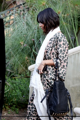 Vanessa - Leaving her house with Stella - September 25, 2011