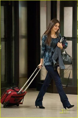 Victoria Justice: LAX Airport Arrival