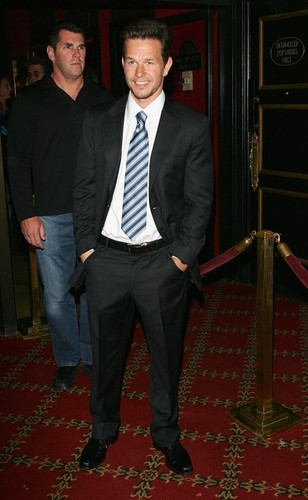 Warner Bros. Pictures Premiere Of The Departed - Arrivals - mark-wahlberg Photo