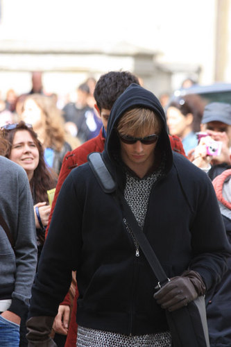 Who Is Lookin' All Mysterious Like and Sexy In His Hoodie and Sunnies?