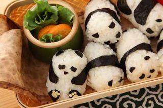 জাপান দেওয়ালপত্র with a turkey ডিনার titled panda's