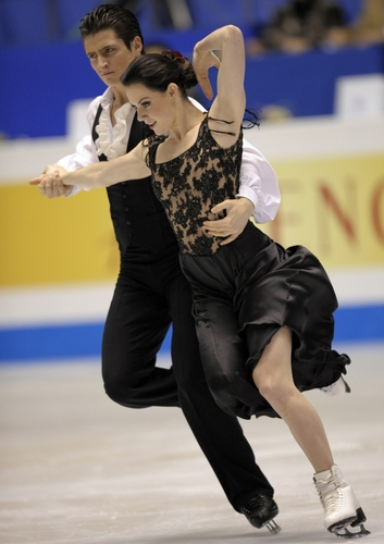 Tessa Virtue & Scott Moir wallpaper called 2009 ISU Grand Prix Of Figure Skating Final, Original Dance