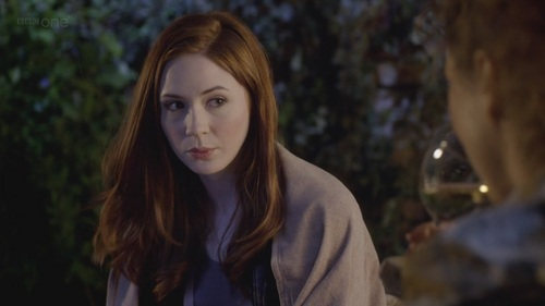 Amy Pond پیپر وال with a portrait entitled Amy Pond - 6x13 - The Wedding Of River Song
