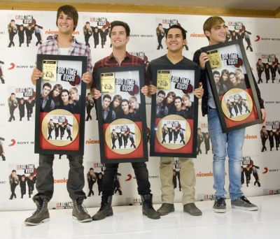 BTR'S ALBUM GOES goud MEXICO