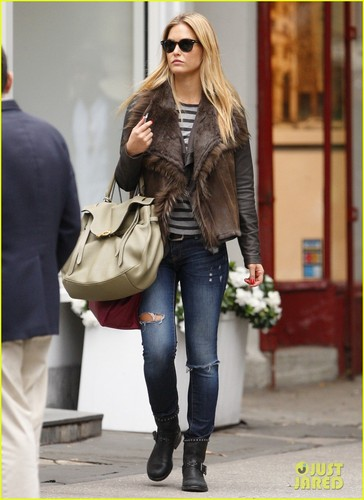 Bar Refaeli Shops in NYC