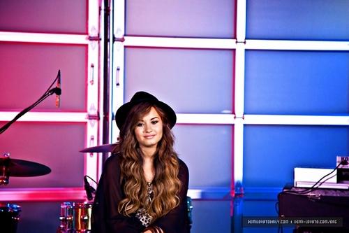Demi - Vh1's चोटी, शीर्ष 20 Live - September 20, 2011