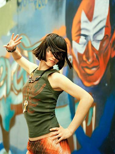 Elisa-Vanity fair (2007)