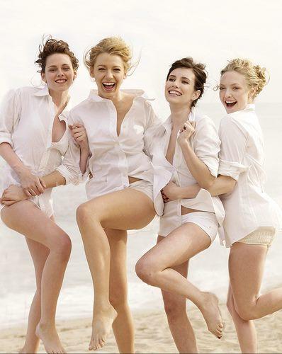 Emma Roberts, Kristen Stewart, Amanda Seyfried and Blake Lively