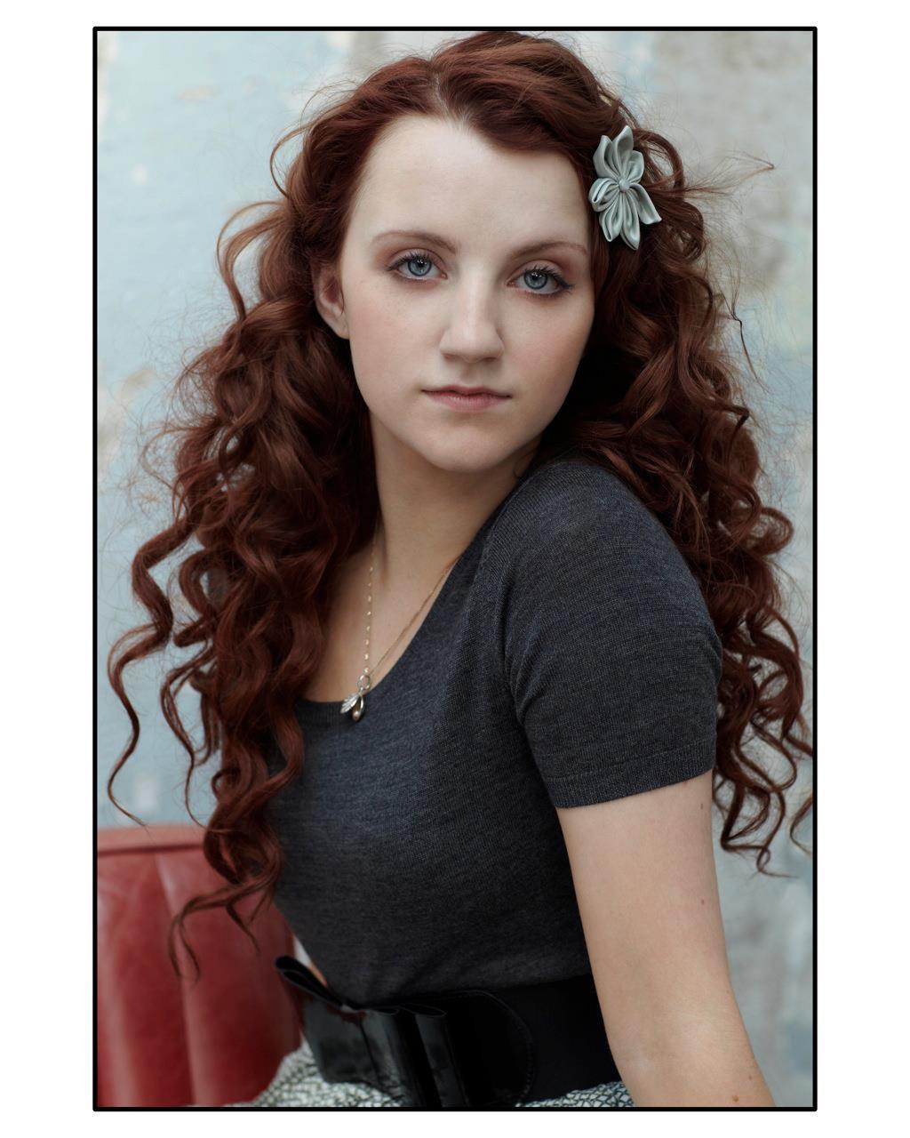 Ποιός/ποιά είναι ο/η αγαπημένος σας ηθοποιός; - Σελίδα 8 Evanna-Lynch-evanna-lynch-25774212-1024-1280
