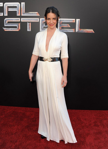 Evi at Real Steel Premiere Oct 02 2011