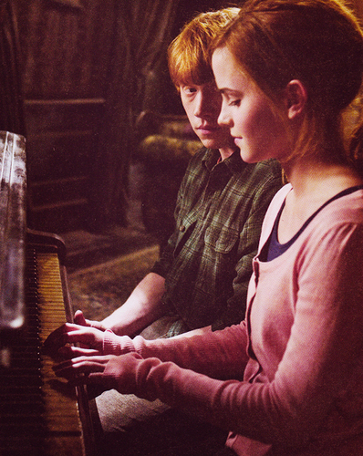 Hermione and Ron wallpaper called HP