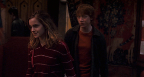 Hermione and Ron wallpaper titled HP