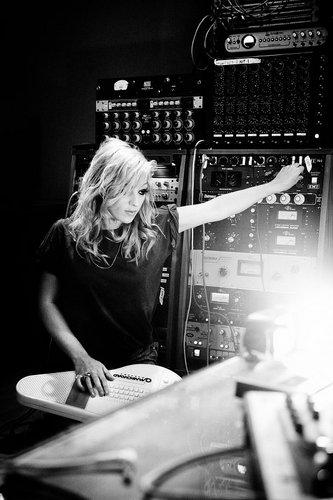 Florence + The Machine karatasi la kupamba ukuta titled Isabella