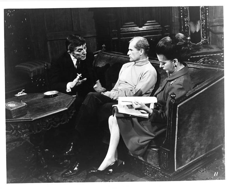 Jonathan Frid, Louis Edmonds, and Joan Bennett