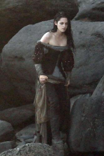 Kristen on Set