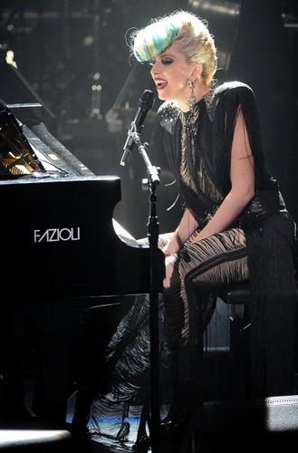 Lady Gaga Live @ Sting's konser in NYC