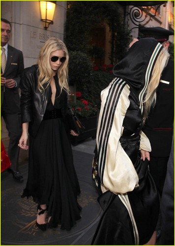 Mary-Kate & Ashley Olsen: Handbag Launch Party!