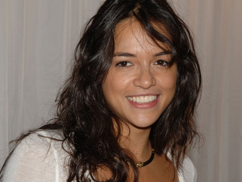 미셸 로드리게즈 바탕화면 containing a portrait entitled Michelle Rodriguez 바탕화면