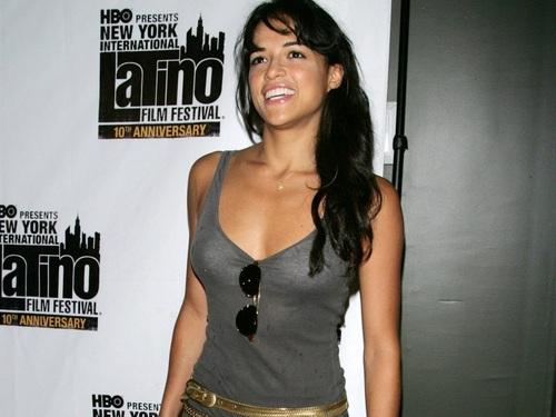Michelle Rodriguez kertas dinding