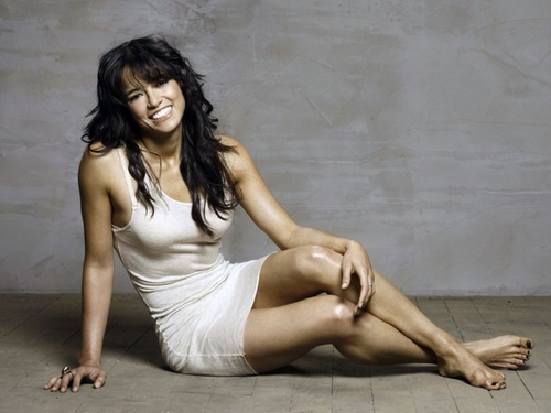 Michelle Rodriguez hình nền possibly with skin called Michelle Rodriguez hình nền