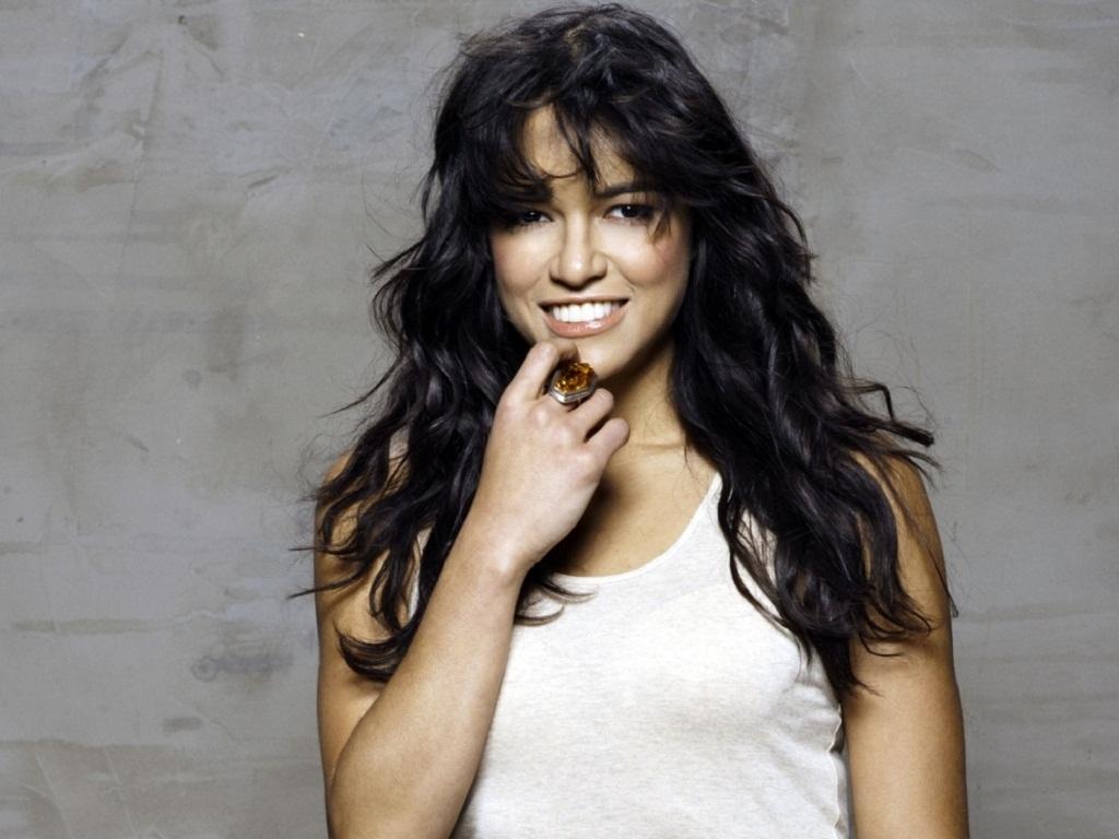 Michelle Rodriguez 바탕화면