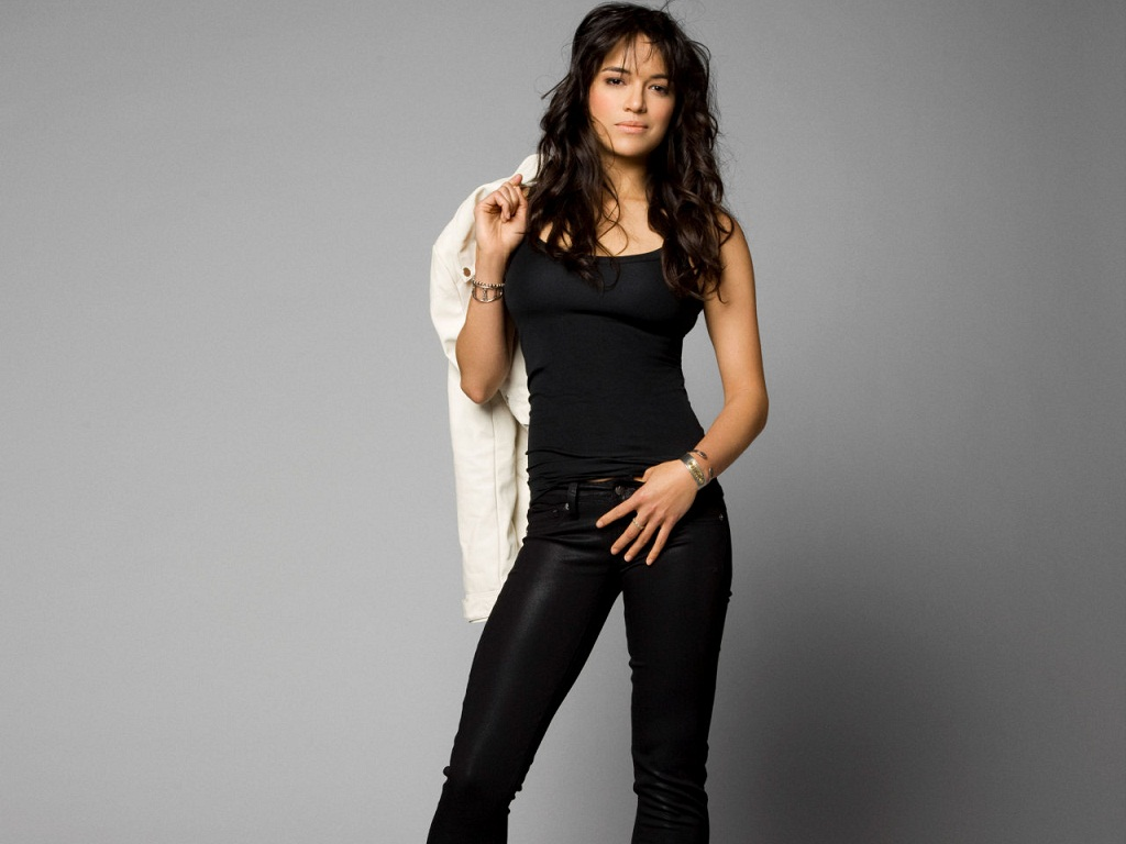 Michelle Rodriguez kertas dinding