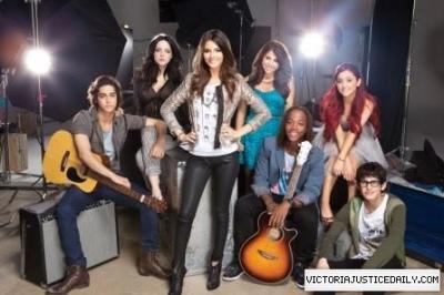 New Victorious promo pics!♥