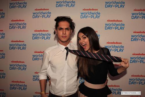 Nickelodeon Celebrates 8th Annual Worldwide giorno Of Play - arancia, arancio Carpet