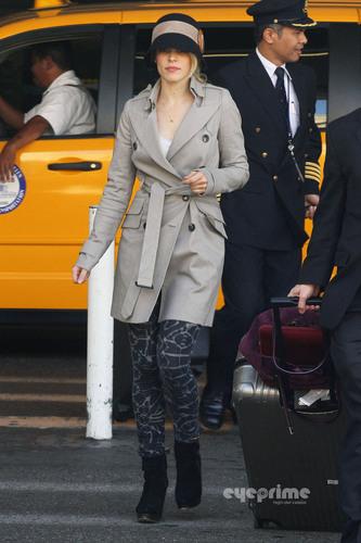 Rachel McAdams departs LAX, Sep 29
