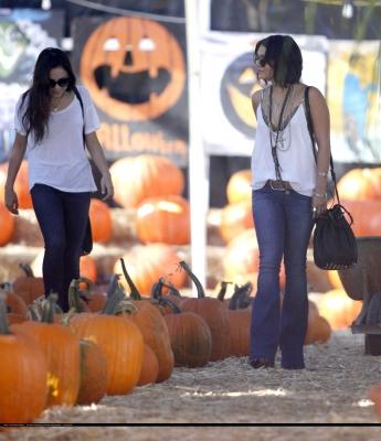 Vanessa & Stella out in Sherman Oaks