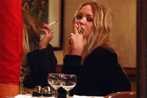 mary-kate and ashley olsen smoking