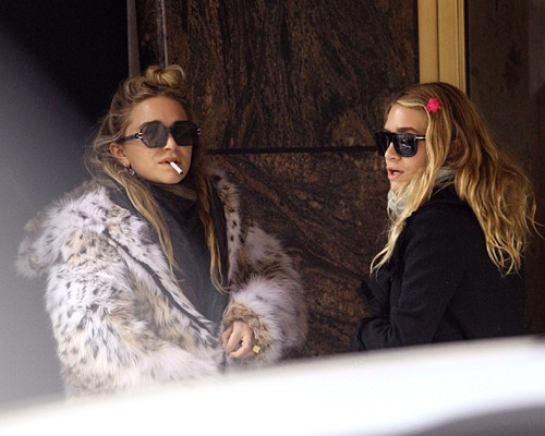Mary-Kate & Ashley Olsen wallpaper with a fur coat, sunglasses, and a mink titled mary kate smoking