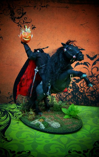 miniature headless horseman sculpture made por me