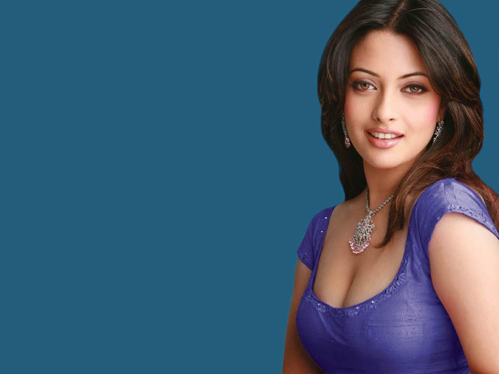 Riya sen sexy wallpaper