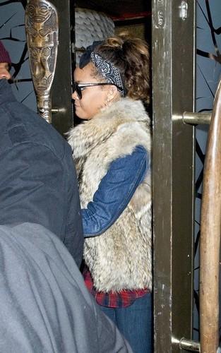 রিহানা out at Mahiki nightclub (October 6).