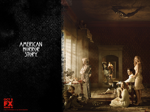 American Horror Story karatasi la kupamba ukuta containing a mitaani, mtaa and a sign called American Horror Story